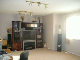 Photo 2:  in CALGARY: Applewood Residential Detached Single Family for sale (Calgary)  : MLS®# C3246855