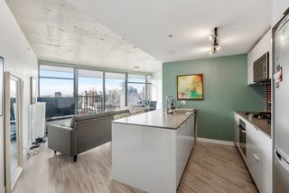 """Photo 11: 3208 128 W CORDOVA Street in Vancouver: Downtown VW Condo for sale in """"Woodwards (W43)"""" (Vancouver West)  : MLS®# R2538391"""