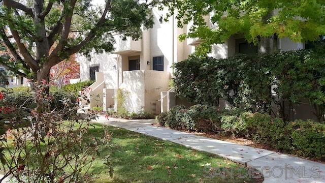Main Photo: UNIVERSITY CITY Townhouse for rent : 2 bedrooms : 8462 Via Sonoma #39 in La Jolla