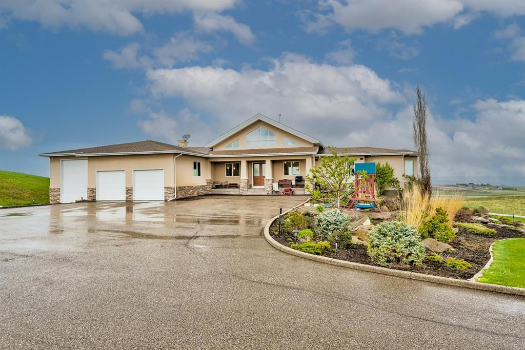 Main Photo: 178088 176 Street W: Rural Foothills County Detached for sale : MLS®# A1112641