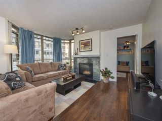 """Photo 2: 506 867 HAMILTON Street in Vancouver: Downtown VW Condo for sale in """"JARDINE'S LOOKOUT"""" (Vancouver West)  : MLS®# R2324358"""
