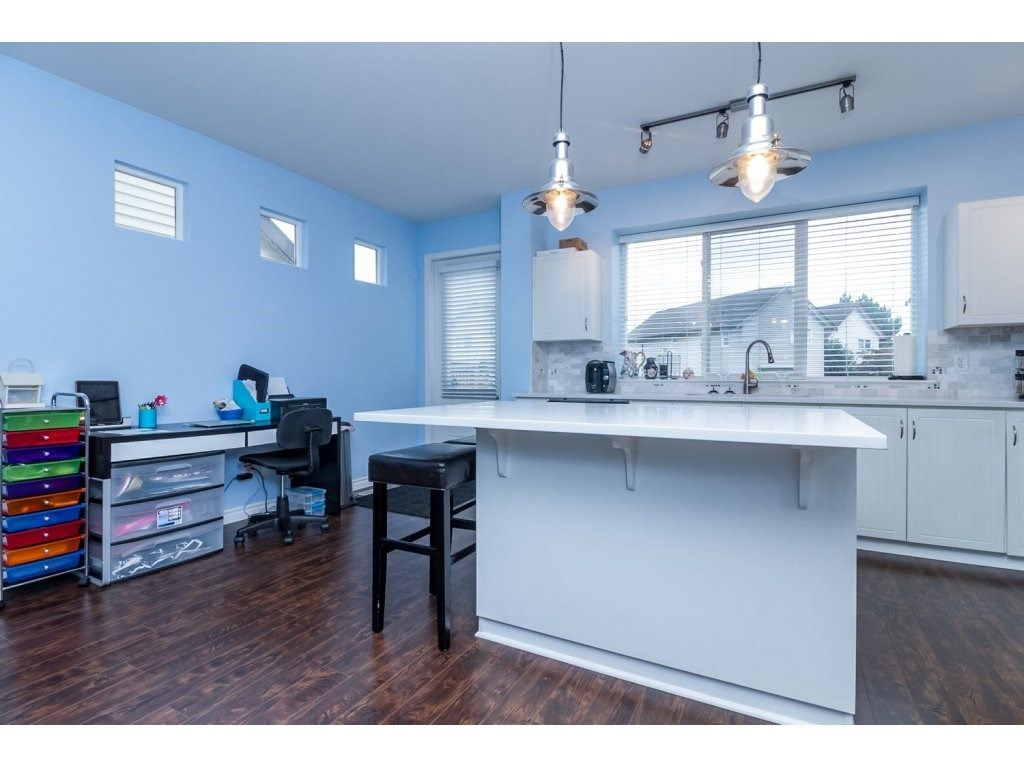 """Photo 11: Photos: 18479 66A Avenue in Surrey: Cloverdale BC House for sale in """"Heartland"""" (Cloverdale)  : MLS®# R2095726"""