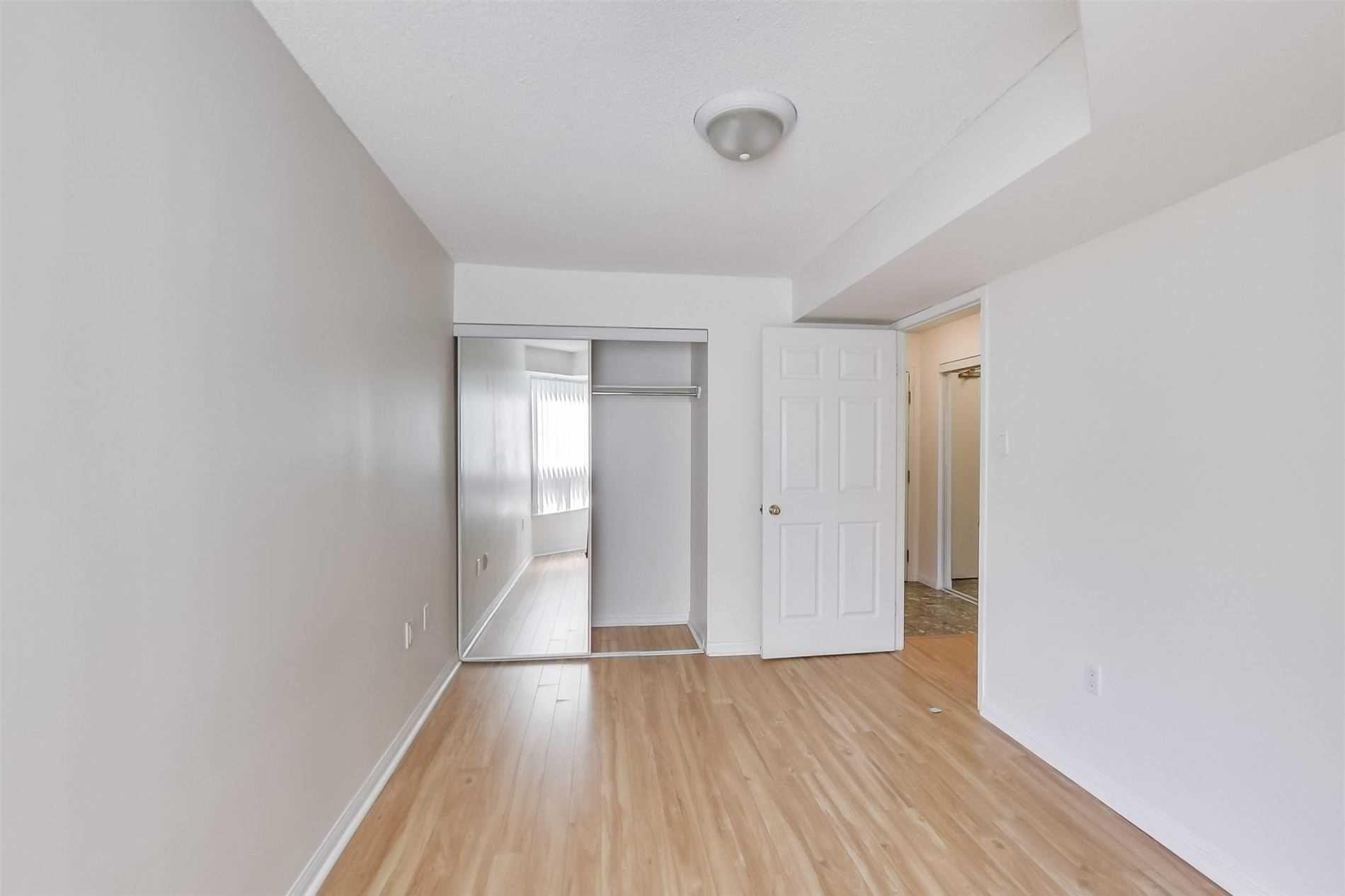 Photo 13: Photos: 808 109 E Front Street in Toronto: Moss Park Condo for lease (Toronto C08)  : MLS®# C4816382