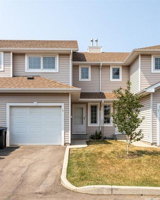 Photo 3: 9 215 Pinehouse Drive in Saskatoon: Lawson Heights Residential for sale : MLS®# SK864976