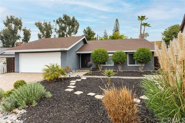 Main Photo: 25995 Corriente Lane in Mission Viejo: Residential for sale (MC - Mission Viejo Central)  : MLS®# OC21087200