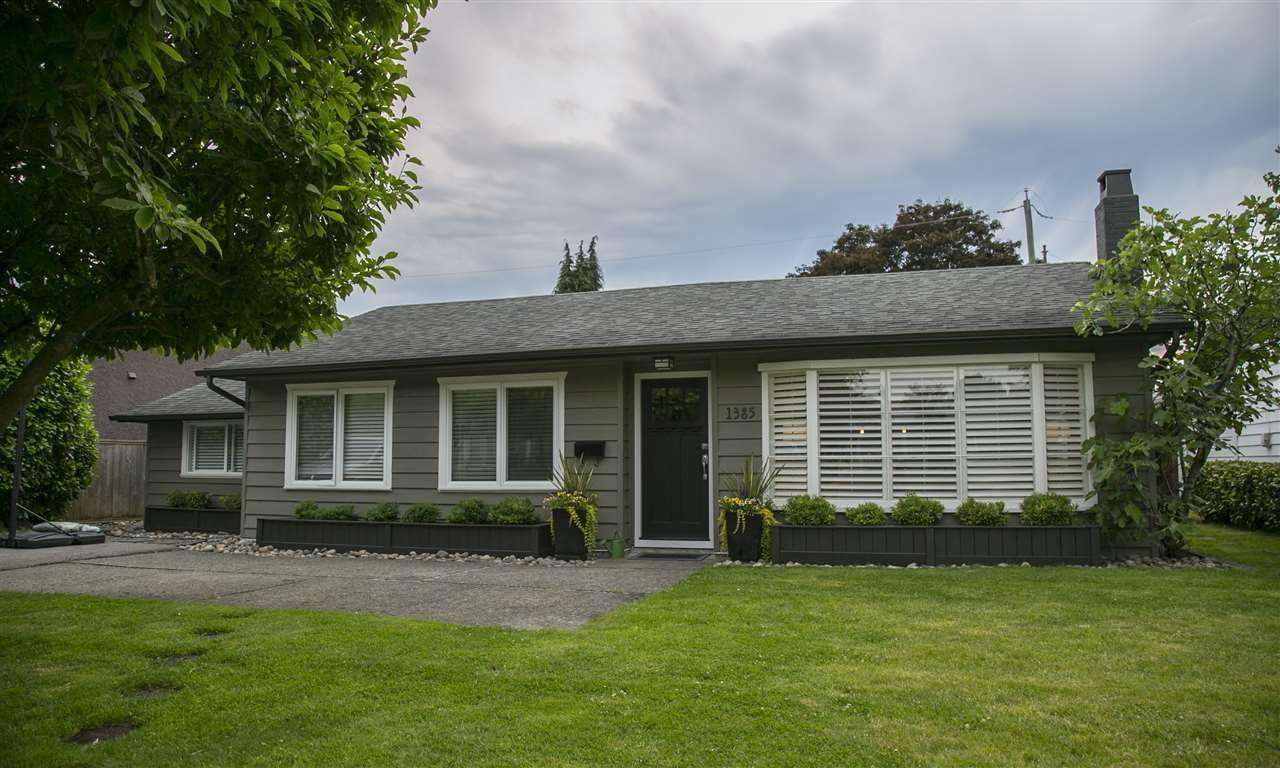 """Main Photo: 1385 REDWOOD Street in North Vancouver: Norgate House for sale in """"NORGATE"""" : MLS®# R2170500"""