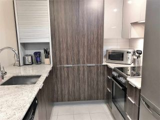 """Photo 8: 710 1088 RICHARDS Street in Vancouver: Yaletown Condo for sale in """"Richards Living"""" (Vancouver West)  : MLS®# R2349020"""
