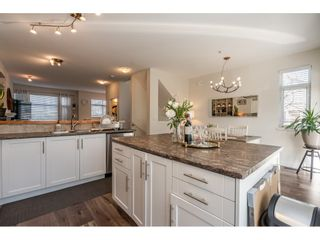 """Photo 6: 36 20120 68 Avenue in Langley: Willoughby Heights Townhouse for sale in """"The Oaks"""" : MLS®# R2560815"""
