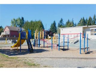 Photo 19: 596 Phelps Ave in VICTORIA: La Thetis Heights Half Duplex for sale (Langford)  : MLS®# 731694