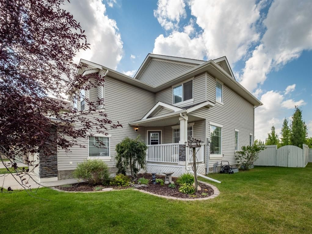 Main Photo: 15 CRYSTAL SHORES Court: Okotoks Detached for sale : MLS®# A1019457