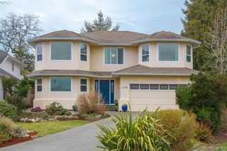 Photo 2: 1186 Foxridge Crt in VICTORIA: SE Sunnymead House for sale (Saanich East)  : MLS®# 835564