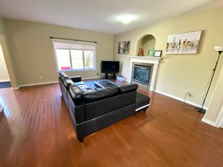 Photo 3: 648 Gessinger Rd in Edmonton: House for rent