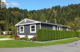"Photo 1: 60 65367 KAWKAWA LK Road in Hope: Hope Kawkawa Lake Manufactured Home for sale in ""CRYSTAL RIVER COURT"" : MLS®# R2623976"
