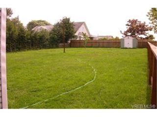 Photo 2: 63 Hampton Rd in VICTORIA: SW Tillicum House for sale (Saanich West)  : MLS®# 335330