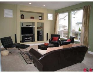 """Photo 7: 6967 198A Street in Langley: Willoughby Heights House for sale in """"Providence"""" : MLS®# F2810698"""