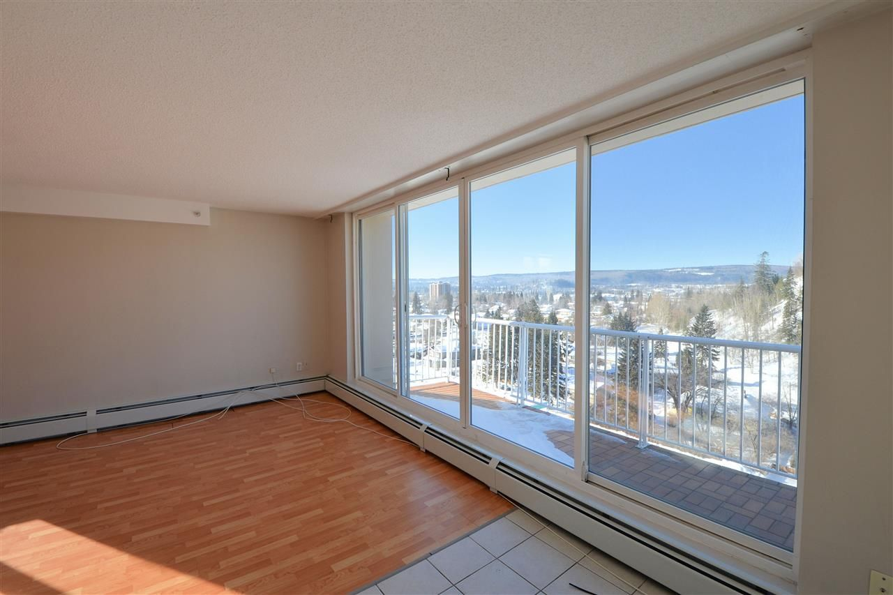 """Photo 2: Photos: 1208 1501 QUEENSWAY Street in Prince George: Connaught Condo for sale in """"CONNAUGHT HILL RESIDENCES"""" (PG City Central (Zone 72))  : MLS®# R2529872"""