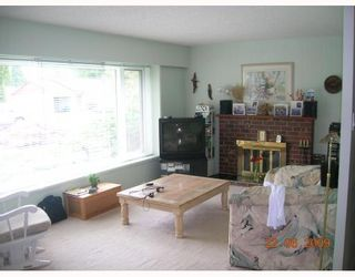 """Photo 2: 1269 DOGWOOD Crescent in North_Vancouver: Norgate House for sale in """"NORGATE"""" (North Vancouver)  : MLS®# V773935"""