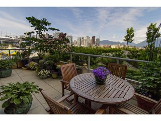 "Photo 3: 606 125 MILROSS Avenue in Vancouver: Mount Pleasant VE Condo for sale in ""Creekside at Citygate"" (Vancouver East)  : MLS®# V1069527"