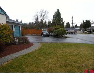 "Photo 2: 15141 DOVE Place in Surrey: Bolivar Heights House for sale in ""BIRDLAND"" (North Surrey)  : MLS®# F2905291"