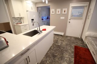 """Photo 7: 887 TWENTY FIRST Street in New Westminster: Connaught Heights House for sale in """"CONNAUGHT HEIGHTS"""" : MLS®# R2112493"""