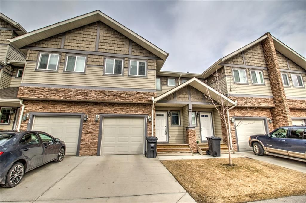 Main Photo: 113 308 11 Avenue NW: High River Row/Townhouse for sale : MLS®# C4293881