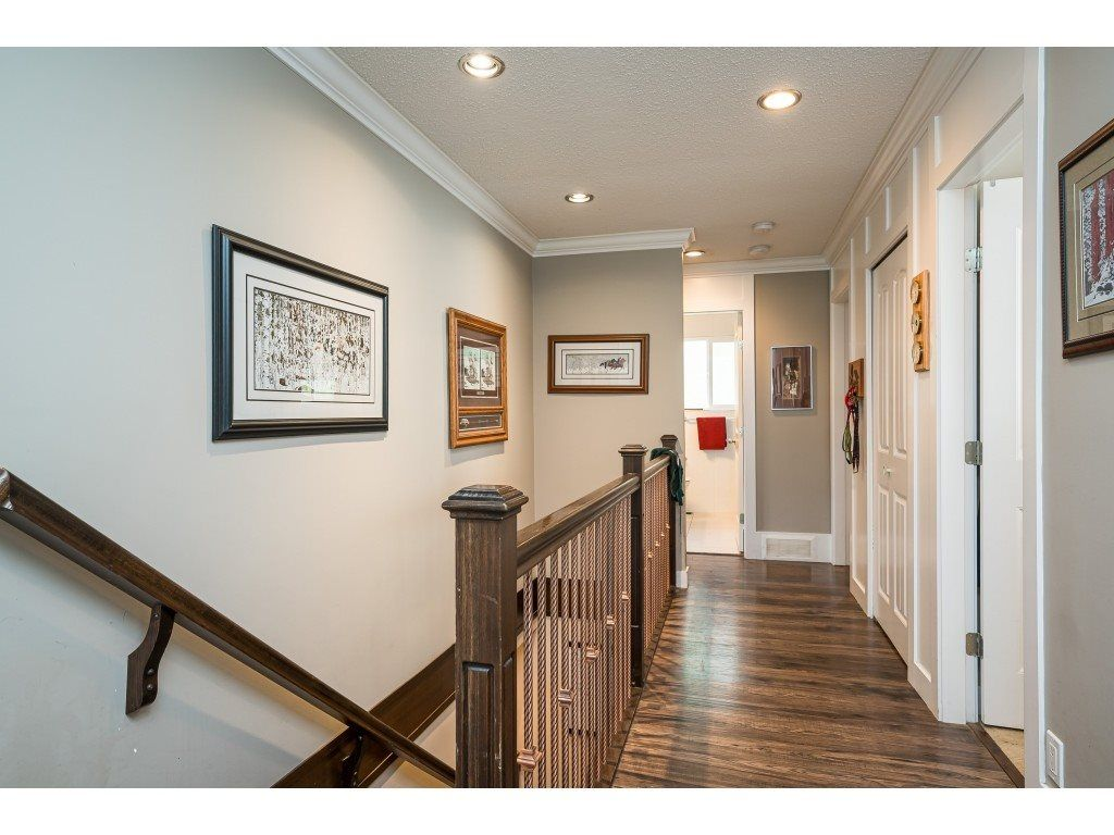 Photo 12: Photos: 20305 50 AVENUE in Langley: Langley City House for sale : MLS®# R2561802