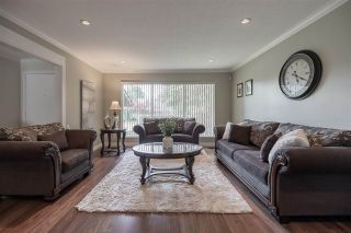"""Photo 4: 27153 33A Avenue in Langley: Aldergrove Langley House for sale in """"Parkside"""" : MLS®# R2591758"""