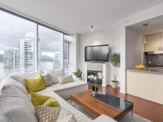 """Photo 6: 1705 1211 MELVILLE Street in Vancouver: Coal Harbour Condo for sale in """"THE RITZ"""" (Vancouver West)  : MLS®# R2173539"""