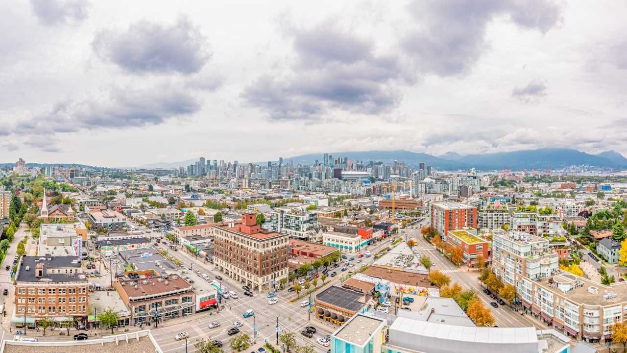 "Photo 1: Photos: 2210 285 E 10TH Avenue in Vancouver: Mount Pleasant VE Condo for sale in ""THE INDEPENDENT"" (Vancouver East)  : MLS®# R2409964"