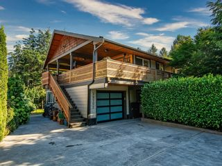 Photo 2: 39702 GOVERNMENT Road in Squamish: Northyards House for sale : MLS®# R2609502