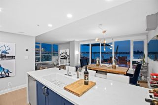 "Photo 3: 901 133 E ESPLANADE Avenue in North Vancouver: Lower Lonsdale Condo for sale in ""Pinnacle Residences at the Pier"" : MLS®# R2575541"