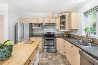 """Photo 7: 120 145 KING EDWARD Street in Coquitlam: Maillardville Manufactured Home for sale in """"MILL CREEK VILLAGE"""" : MLS®# R2370266"""
