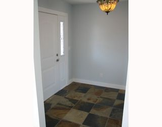 "Photo 9: 5730 GENNIS Way in Sechelt: Sechelt District House for sale in ""THE RIDGE"" (Sunshine Coast)  : MLS®# V785526"