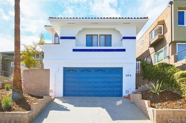 Main Photo: House for sale : 4 bedrooms : 304 Neptune Ave in Encinitas