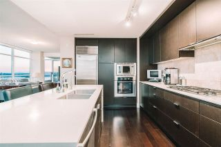 Photo 13: 1801 1320 CHESTERFIELD Avenue in North Vancouver: Central Lonsdale Condo for sale : MLS®# R2576271