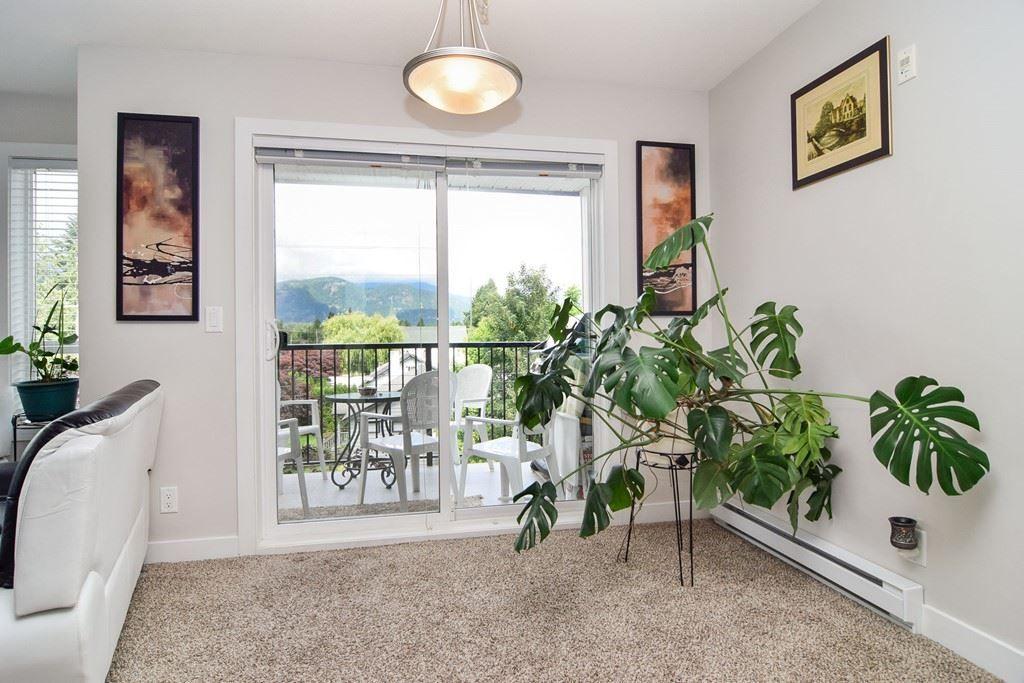 Main Photo: 305 46150 BOLE AVENUE in : Chilliwack N Yale-Well Condo for sale : MLS®# R2277832
