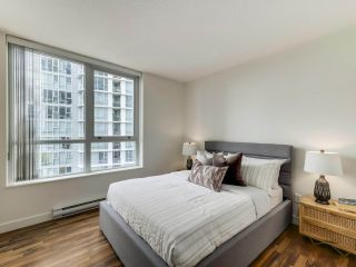 """Photo 14: 902 1495 RICHARDS Street in Vancouver: Yaletown Condo for sale in """"AZURA II"""" (Vancouver West)  : MLS®# R2570710"""