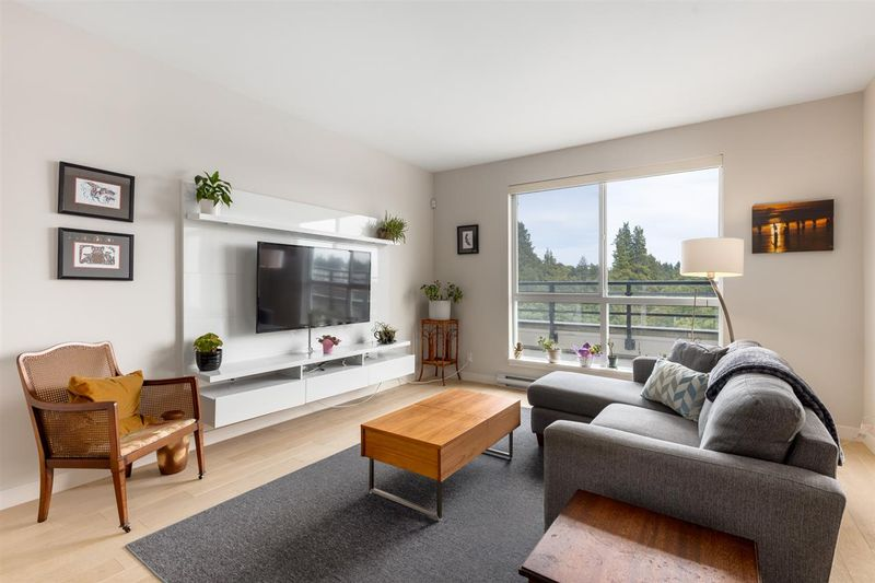 FEATURED LISTING: PH3 - 5555 DUNBAR Street Vancouver