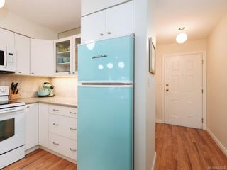 Photo 10: 305 7070 West Saanich Rd in Central Saanich: CS Brentwood Bay Condo for sale : MLS®# 842049