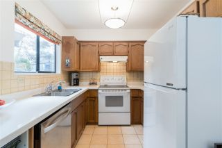 """Photo 11: 8552 WILDERNESS Court in Burnaby: Forest Hills BN Townhouse for sale in """"SIMON FRASER VILLAGE"""" (Burnaby North)  : MLS®# R2560029"""