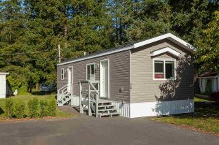 """Photo 1: 34 20071 24 Avenue in Langley: Brookswood Langley Manufactured Home for sale in """"Fernridge Park"""" : MLS®# R2484697"""