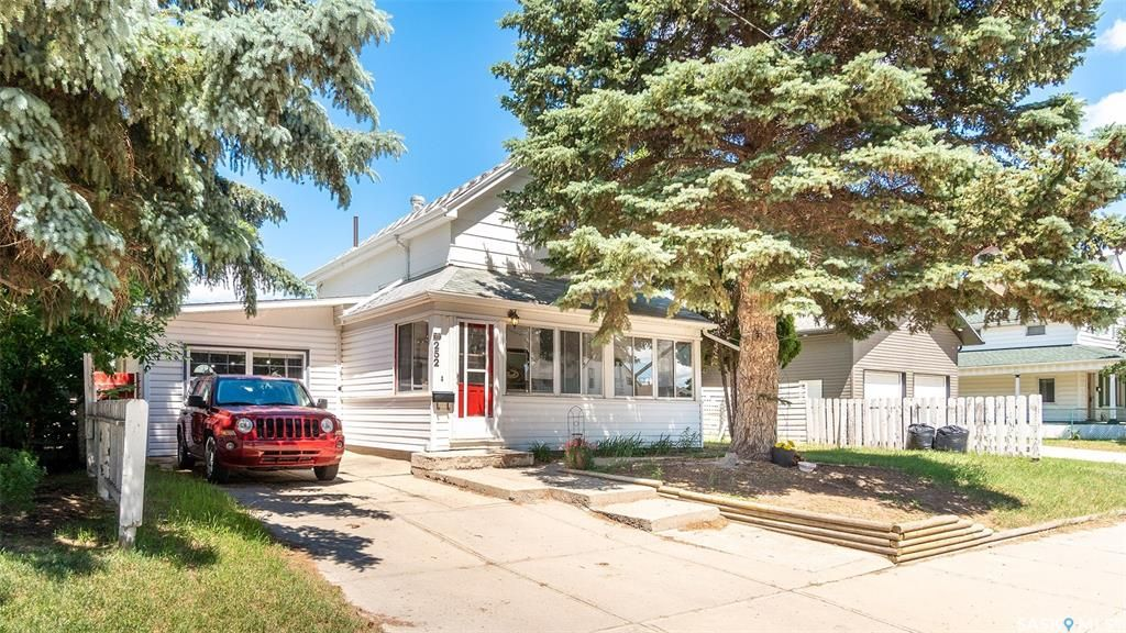 Main Photo: 252 River Street East in Moose Jaw: Central MJ Residential for sale : MLS®# SK872092