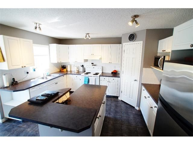 Photo 30: Photos: 34 WESTON GR SW in Calgary: West Springs Detached for sale : MLS®# C4014209