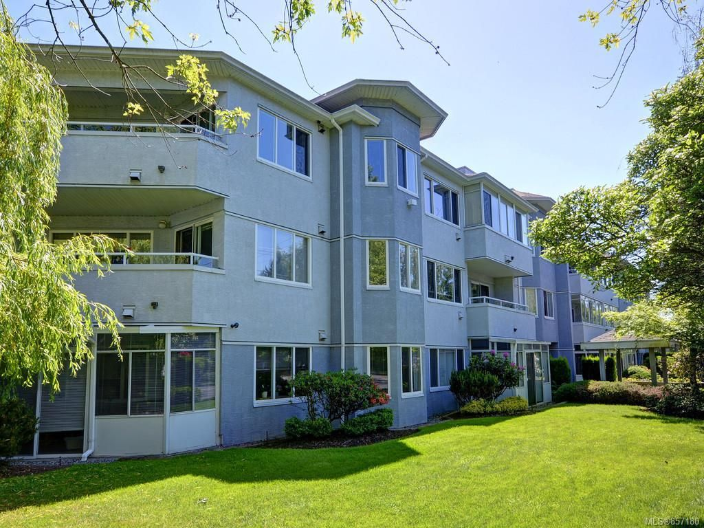 Main Photo: 206 3921 Shelbourne St in : SE Mt Tolmie Condo for sale (Saanich East)  : MLS®# 857180