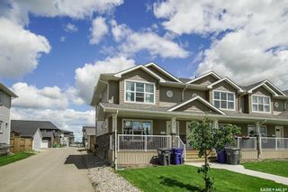Photo 2: 402 Maningas Bend in Saskatoon: Evergreen Residential for sale : MLS®# SK860413