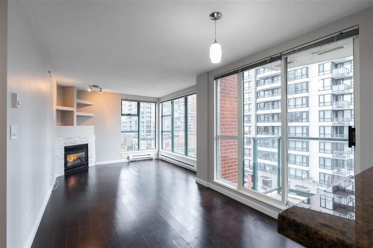 """Main Photo: 804 939 HOMER Street in Vancouver: Yaletown Condo for sale in """"THE PINNACLE"""" (Vancouver West)  : MLS®# R2581957"""