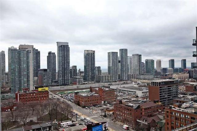 Photo 6: Photos: 1709 8 Charlotte Street in Toronto: Waterfront Communities C1 Condo for sale (Toronto C01)  : MLS®# C3462344