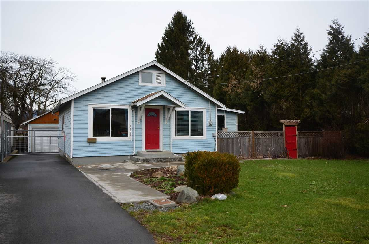 Main Photo: 46045 FIFTH AVENUE in Chilliwack: Chilliwack E Young-Yale House for sale : MLS®# R2026980