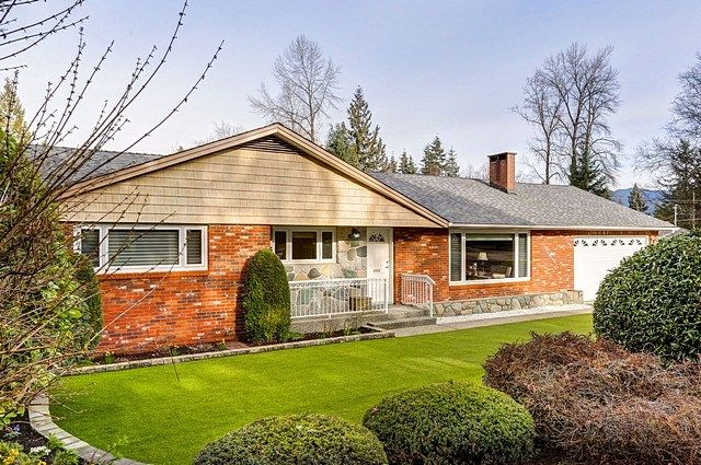 Main Photo: 660 GATENSBURY STREET in Coquitlam: Central Coquitlam House for sale : MLS®# R2040132