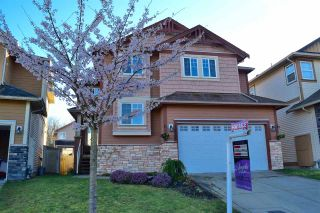 Photo 1: 23422 GRIFFEN Road in Maple Ridge: Cottonwood MR House for sale : MLS®# R2047107